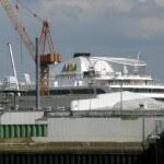 AIDA im Trockendock der Lloyd Werft Bremerhaven